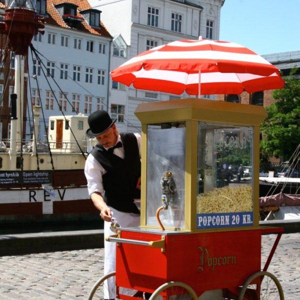 Nyhavn - Popcorn-Verkäufer im neuen Hafen in Kopenhagen