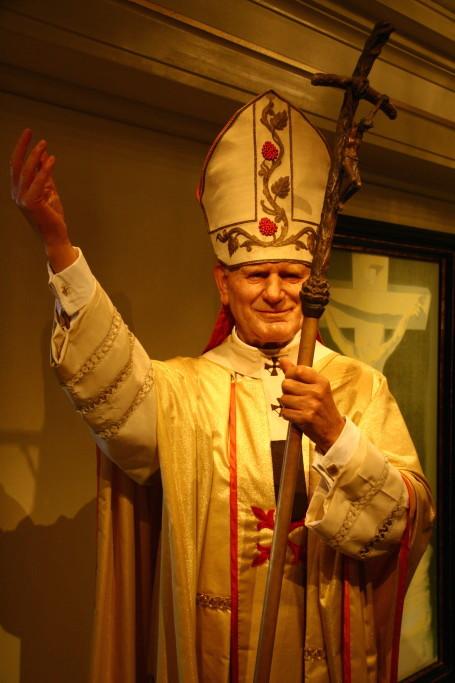 Madame Tussaud - Grüße vom Papst aus Amsterdam