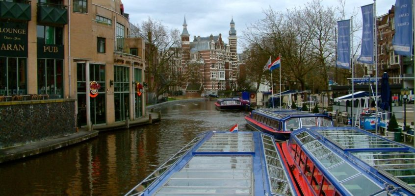 Amsterdam – Holland-Klischees in den Grachten