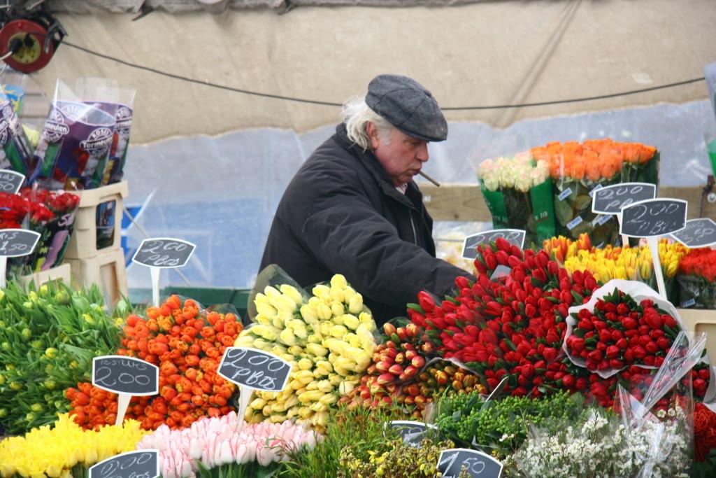 Tulpen aus Amsterdam - Tulpenverkäufer auf dem Bloemenmarkt