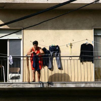 Alltagsszene an der Wäscheleine auf Sizilien