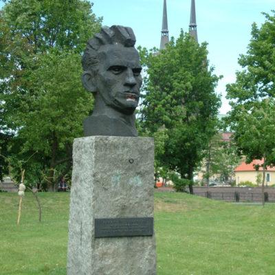 Büste eines Arbeiters von Xavery Dunikowski im Park Breslau