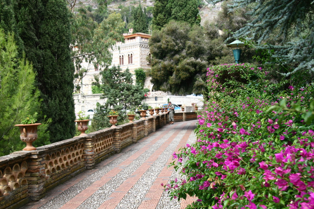 Giardini della Villa Communale - Bougainvillea