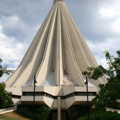 Kirche Madonnina delle Lacrime