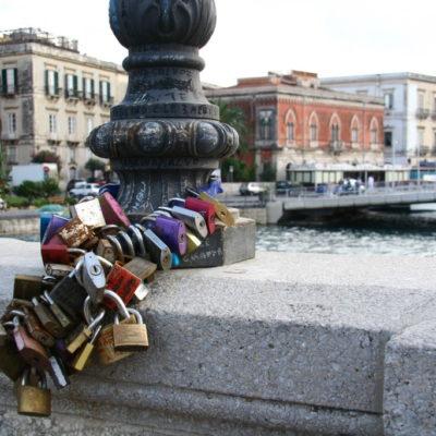 Love Locks - Liebesschlösser auf der Ponte Umbertino