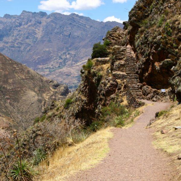 Stein-Treppe zu der Inkafestung von Písac in Urubamba-Tal