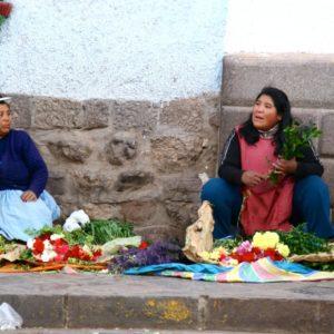 Straßenverkauf in Cusco - Blumenverkäuferinnen