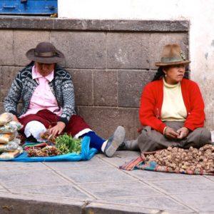 Straßenverkauf in Cusco - Kartoffeln, Gemüse und Getreide