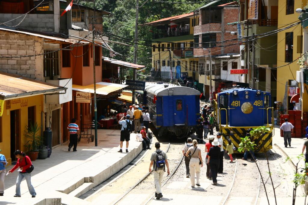 Aguas Calientes - Dorf am Fuße des Berges von Machu Picchu und Endstation des Zuges von Cusco