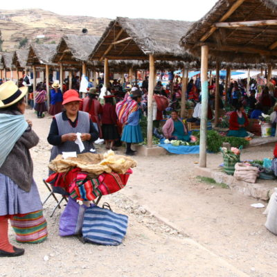 Brotstand auf dem Markt in Chinchero / Sacred Valley of the Incas