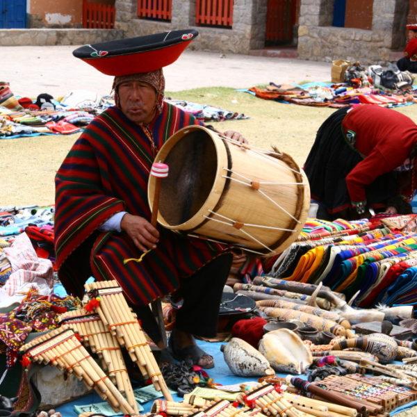 Chinchero - Quecha-Indianer mit Trommel und Panflöten