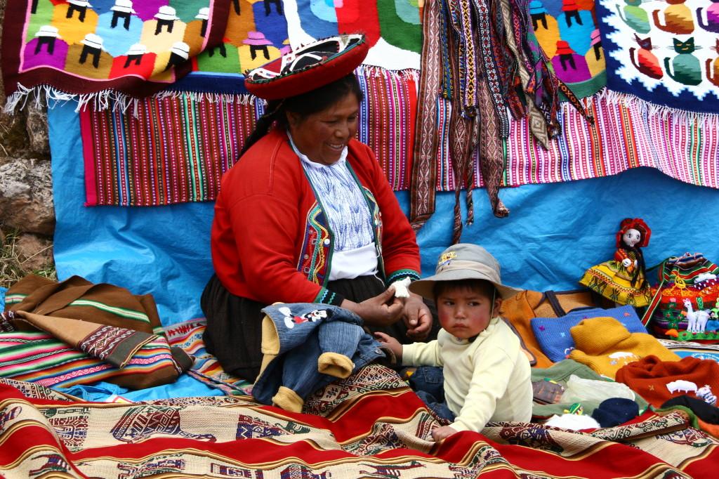 Chinchero - Quechua-Mama mit Kind