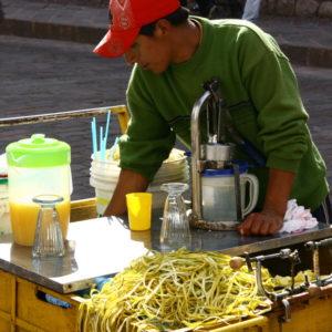 Getränkestand in Cusco - Frischer Papayasaft