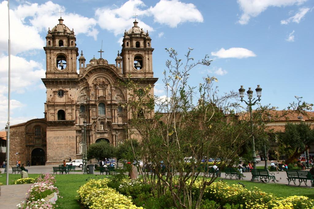 Jesuitenkirche an der Plaza de Armas
