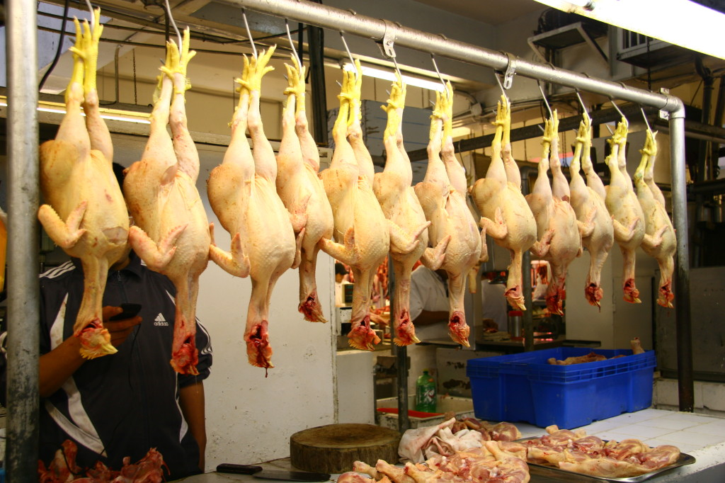 Mercado Mariscal Ramón Castilla - Marktstand mit Hühnern auf dem Mercado Central de Lima