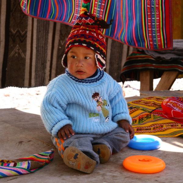 Niño im Valle Sagrad de los Incas