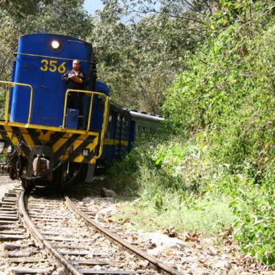 Perurail - Zug von Cusco nach Aguas Calientes im Urubambatal