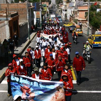 Todo hombre es mi hermano - Parade in Arequipa