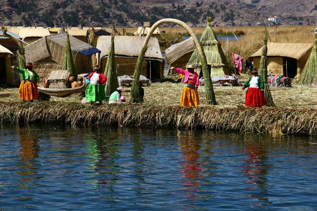 Uros Floating Islands - Schwimmende Inseln der Uros-Indianer