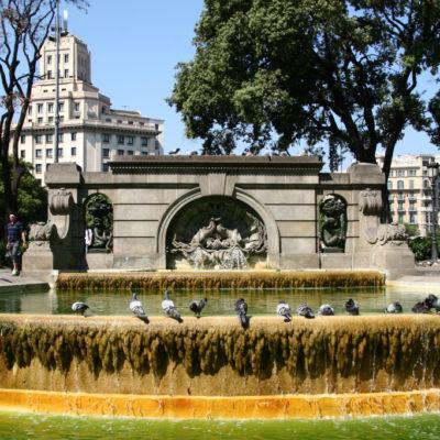 Brunnen auf der Plaça de Catalunya