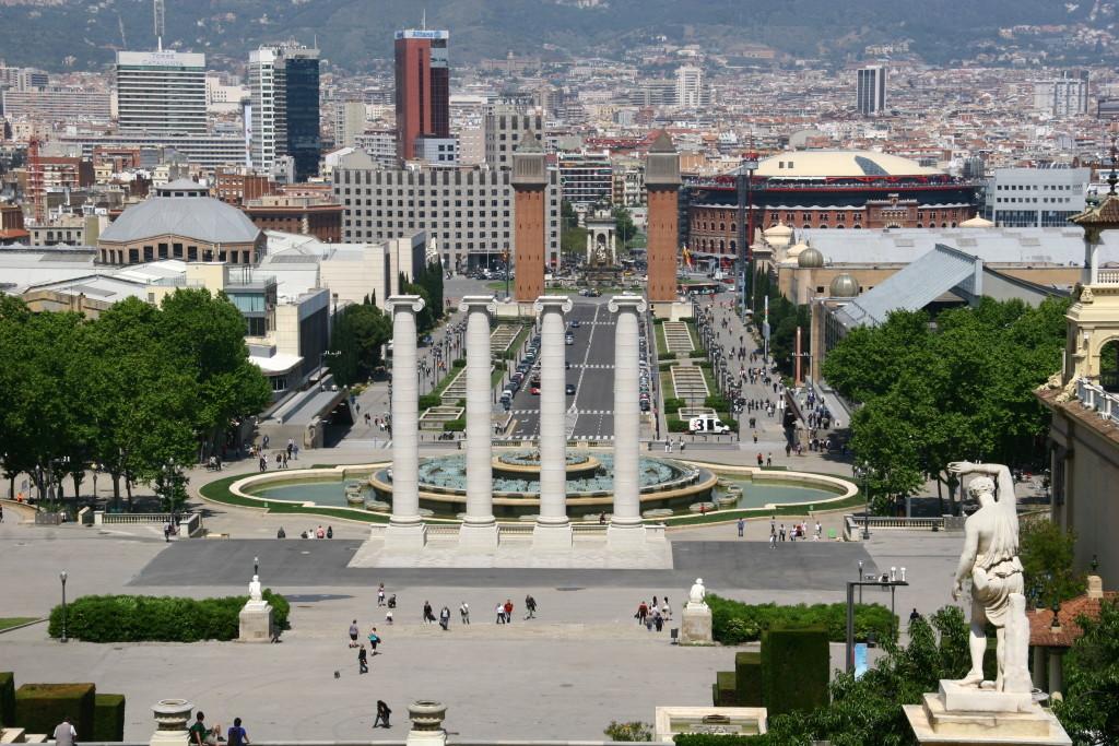 Font Màgica am Plaça d' Espanya vom Montjuïc