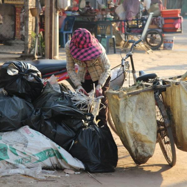 Müll sammeln in Siem Reap
