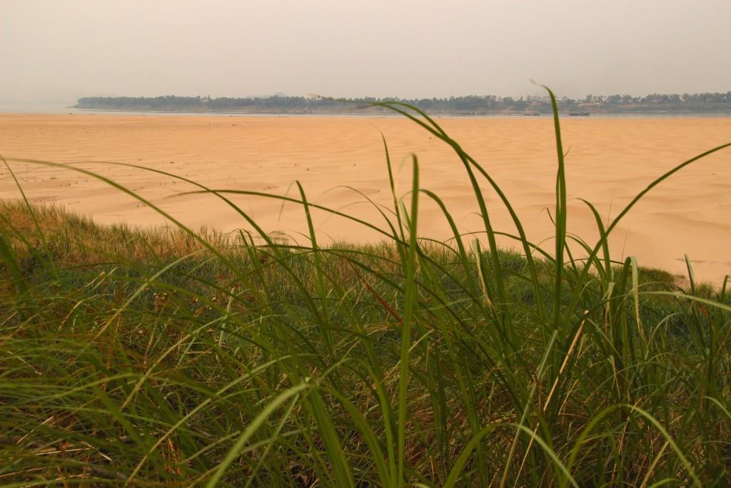 Fast wie am Meer - Sandstrand auf Koh Trong bei Kratie