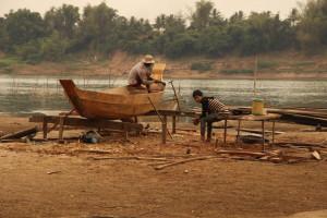 Floating Village - Vater & Sohn