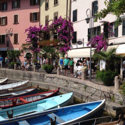 Limone sul Garda - Bootsanlegestelle im historischen Zentrum