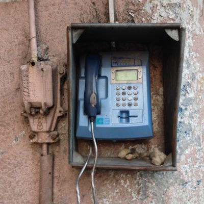 Oldschool: Open-Air-Telefonzelle