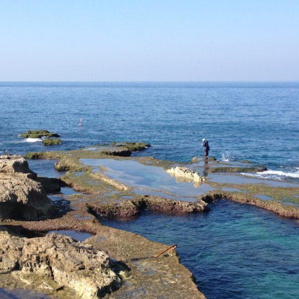 Strandpromenade Corniche - Blick aufs Meer