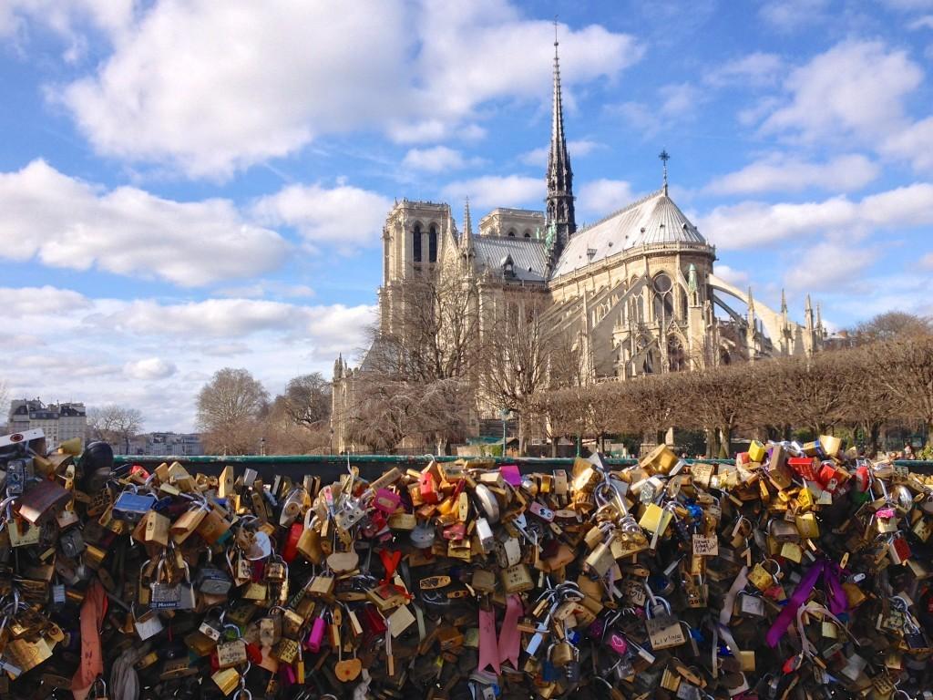 Liebesschlösser vor Notre Dame