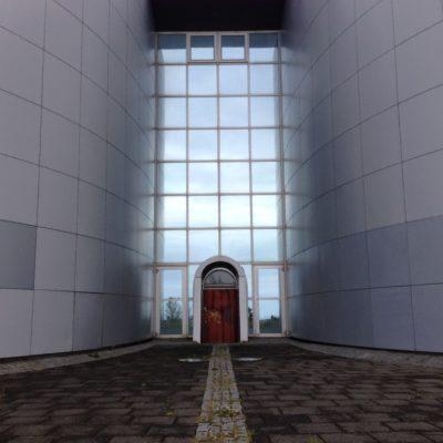 Eingang zum Perlan -  Warmwassespeicher Reykjaviks und beiebter Aussichtspunkt