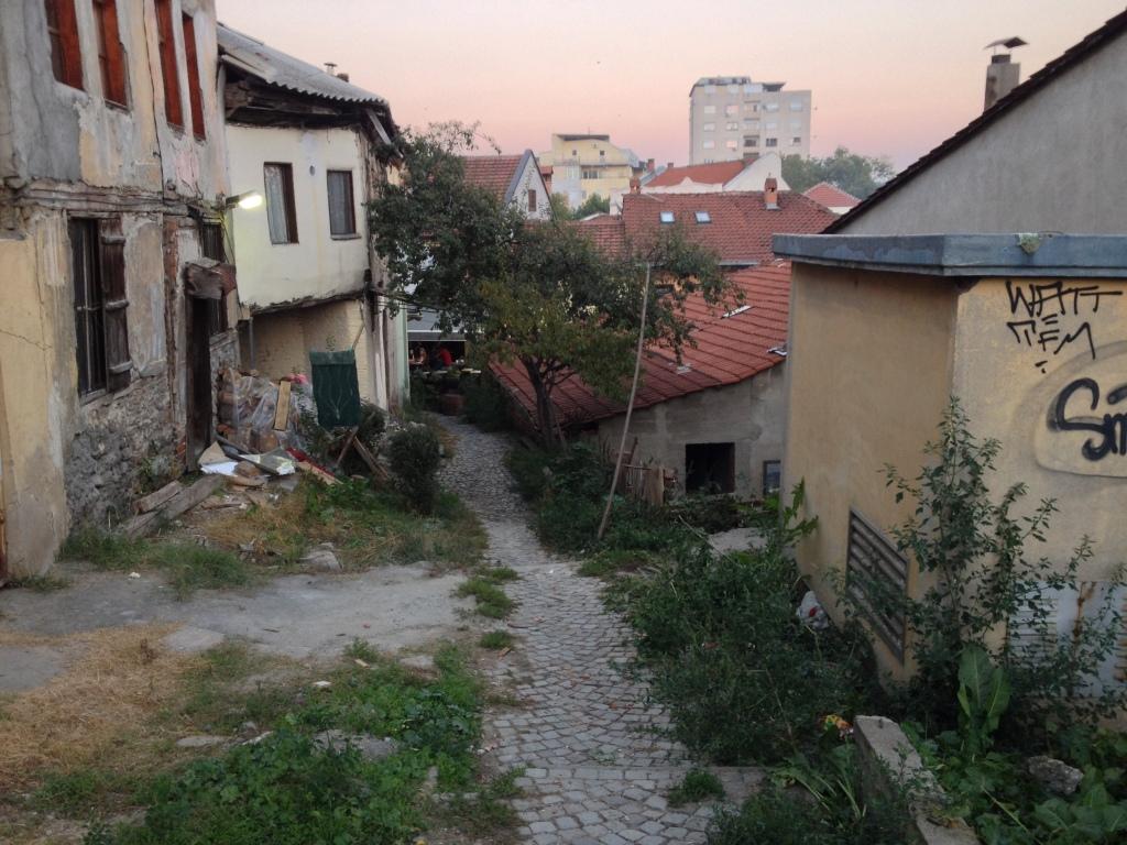 Sonnenuntergang in den Gassen vom Old Baazar / Skopje
