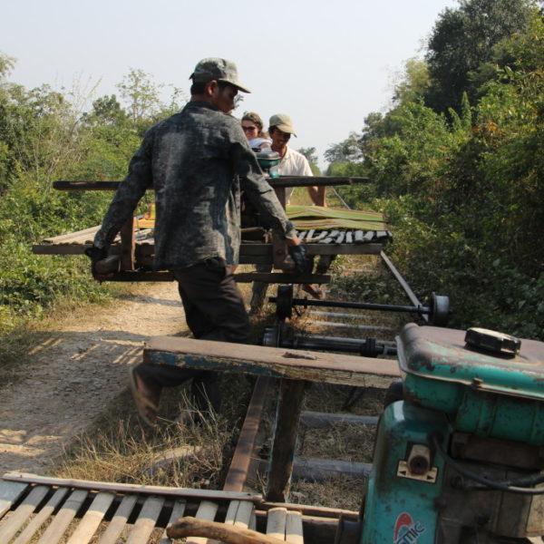 Bamboo Train - Gegenverkehr ist kein Problem!