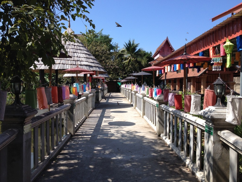 Brücke am Wat Jetlin (Chedlin)