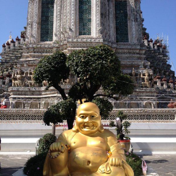 Buddha-Statue vor dem Wat Arun