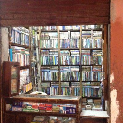 Bücherregale bis an die Decke