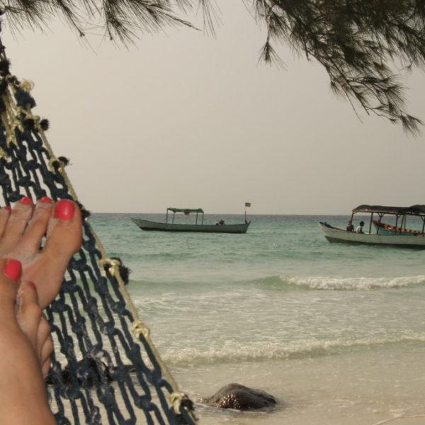 Chillen auf der Hängematte am Sok San Beach - Flucht vor den Sandflöhen
