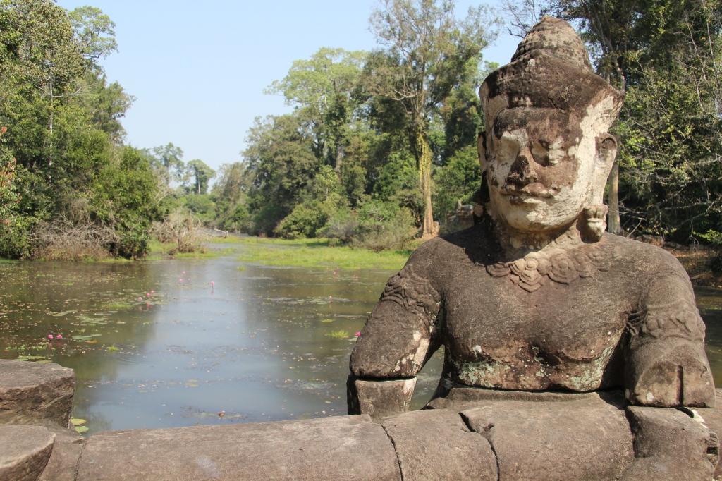 Dämonenbalustrade vor Angkor Thom