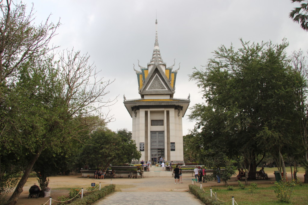 Killing Fields: Gedächtnis-Stupa von Choeung Ek