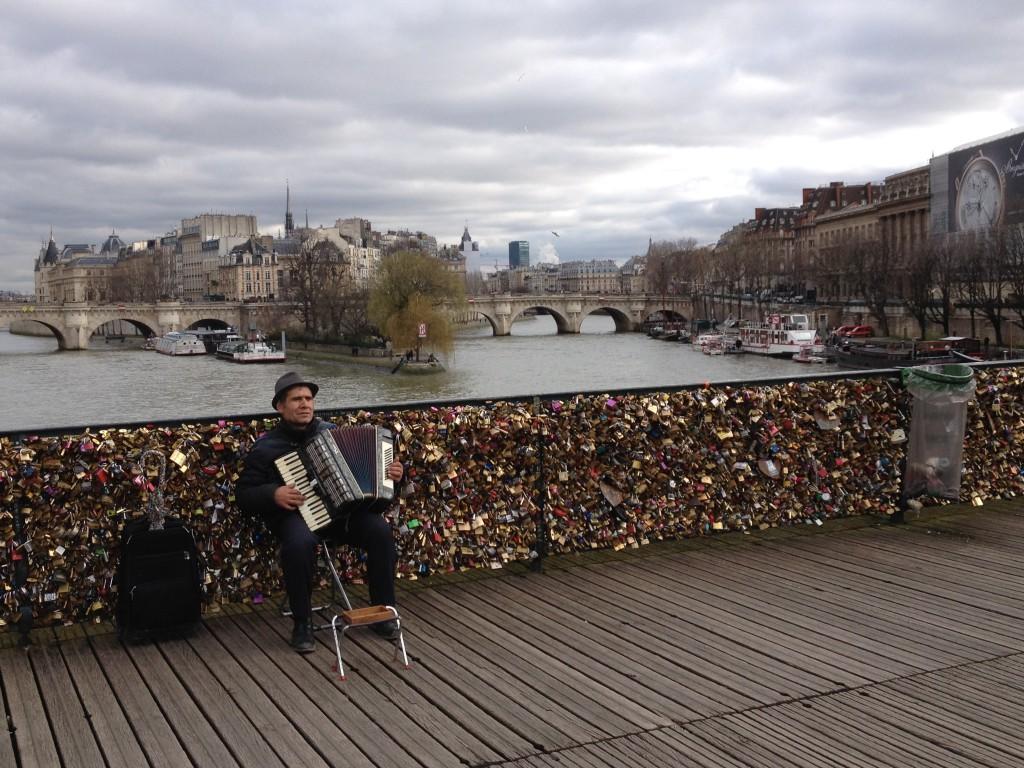 Pont des Arts - Liebesschlösser & Musik
