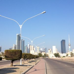 Gähnende Leere auf einer Straße in Kuwait