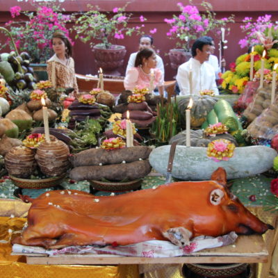 Wat Phnom - Opfergaben