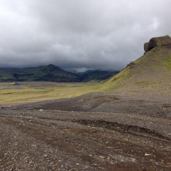 Weltuntergangsstimmung über dem Sólheimajökulsvegur, der holprigen Straße zum Gletscher
