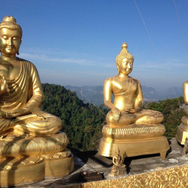 1237 Stufen führen hinauf zur Spitze des Tiger Cave Temple (Wat Tham Suea)
