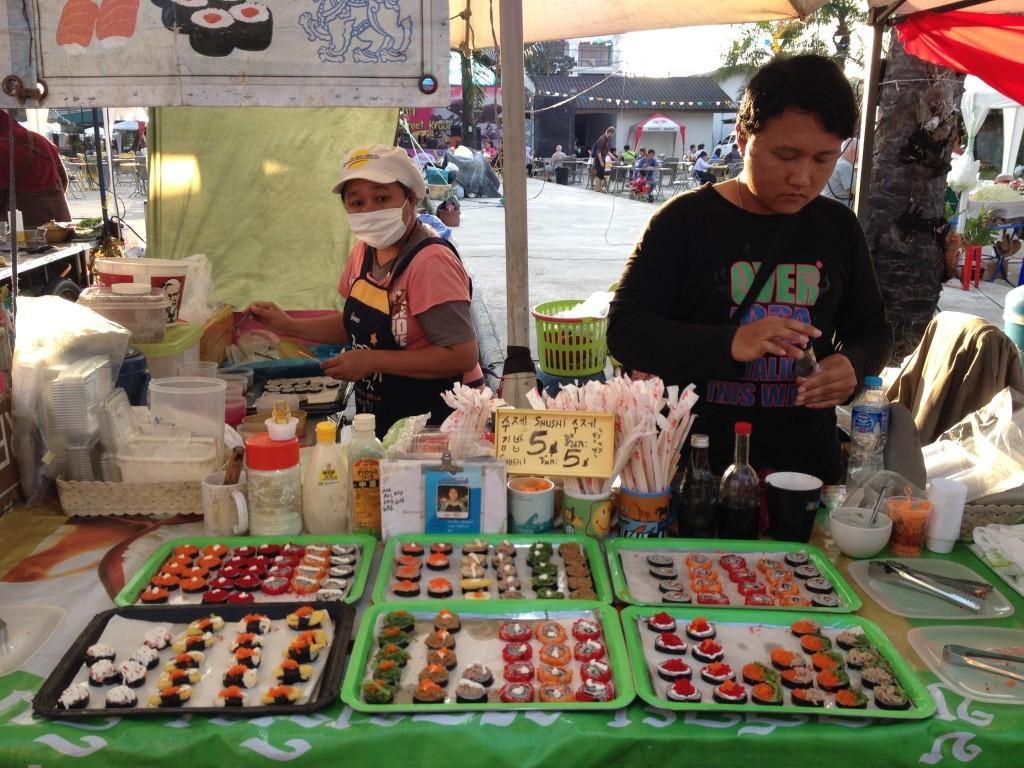 Straßenfest in Krabi - Sushi-Stand