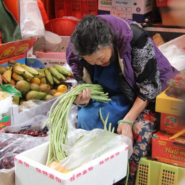 Gemüseverkäuferin in Hong Kong Island