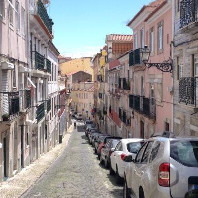 Pastellfarbene Fassaden im Bairro Alto