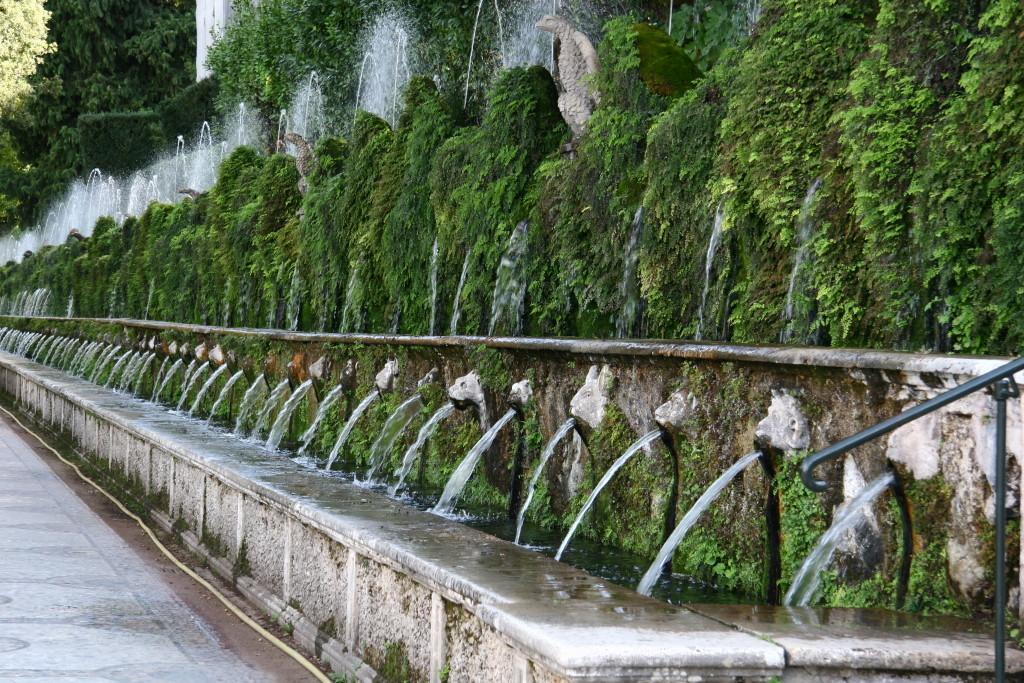 Allee der hundert Brunnen
